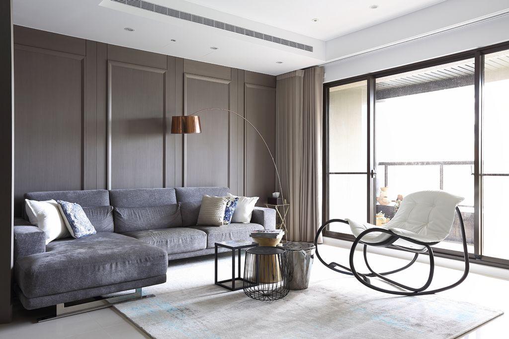 现代家居客厅阳台隔断设计