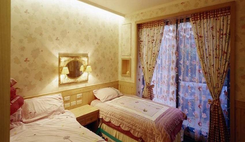 美式风格儿童房窗帘装饰效果图