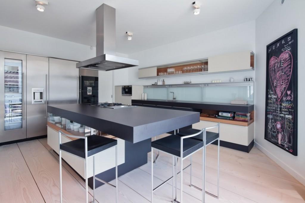 现代混搭整体厨房装修效果图