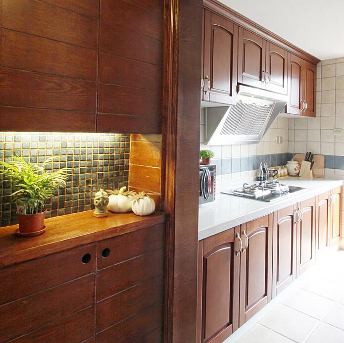 復古田園風廚房實木櫥柜設計