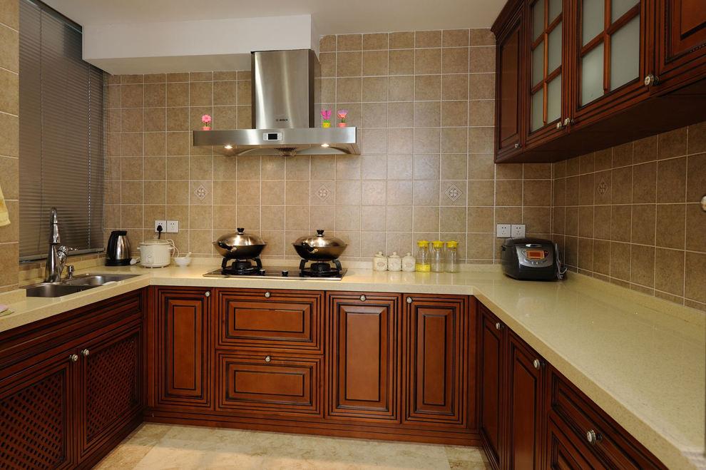 高貴歐式廚房 實木櫥柜效果圖