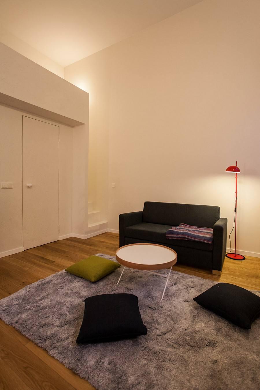休闲简约现代客厅地毯效果图