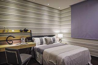 现代装修卧室横条墙纸装饰
