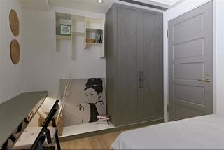 古朴美式卧室两门衣柜装饰图