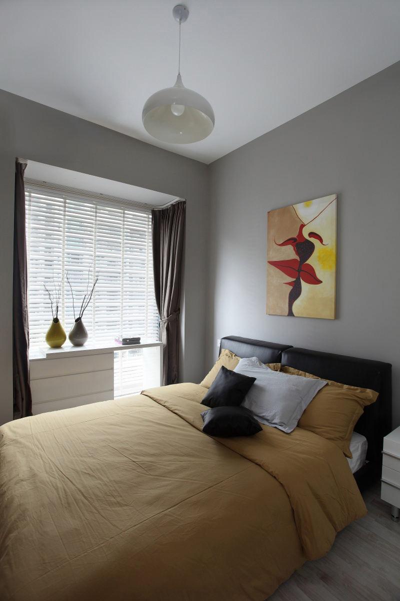 现代家庭卧室软装饰效果图