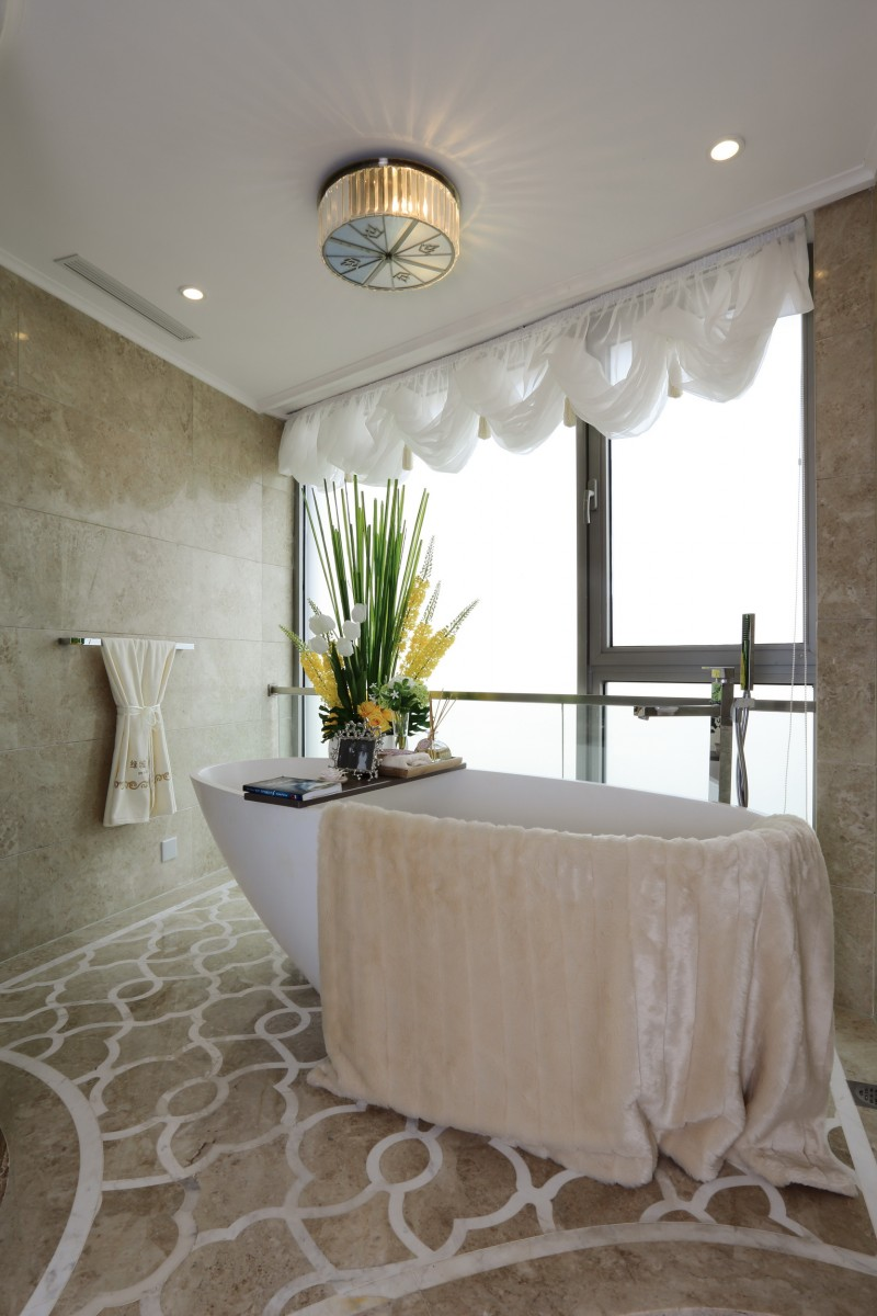 优雅浪漫简欧卫生间 浴缸效果图