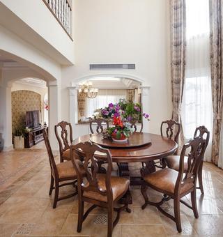 美式乡村别墅餐厅桌椅装饰