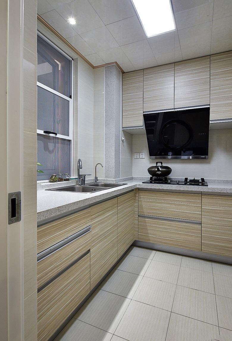 简约时尚厨房橱柜装饰图