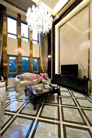奢华简欧挑高客厅背景墙设计