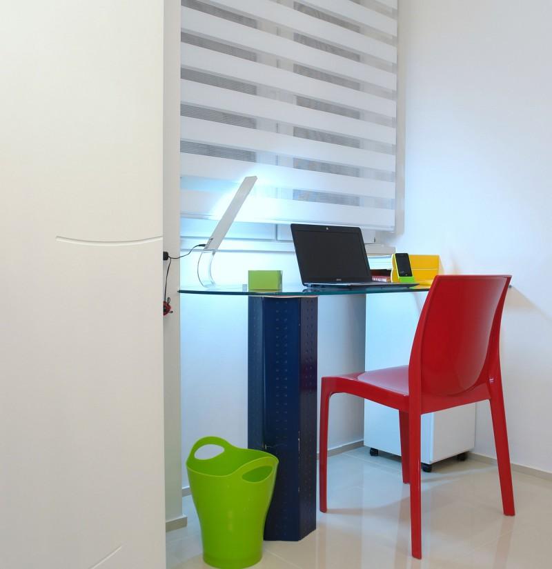 简约书房红色电脑凳椅装饰效果图