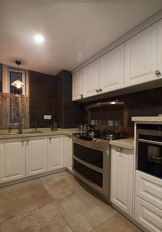 中性色现代厨房L型橱柜设计