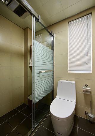 现代简约卫生间隔断设计