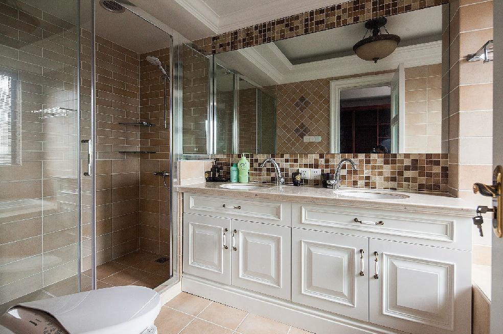 美式设计装修风格家庭整体卫生间装潢图片
