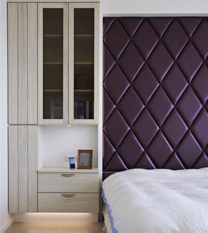 现代简约装修 卧室床头柜子设计