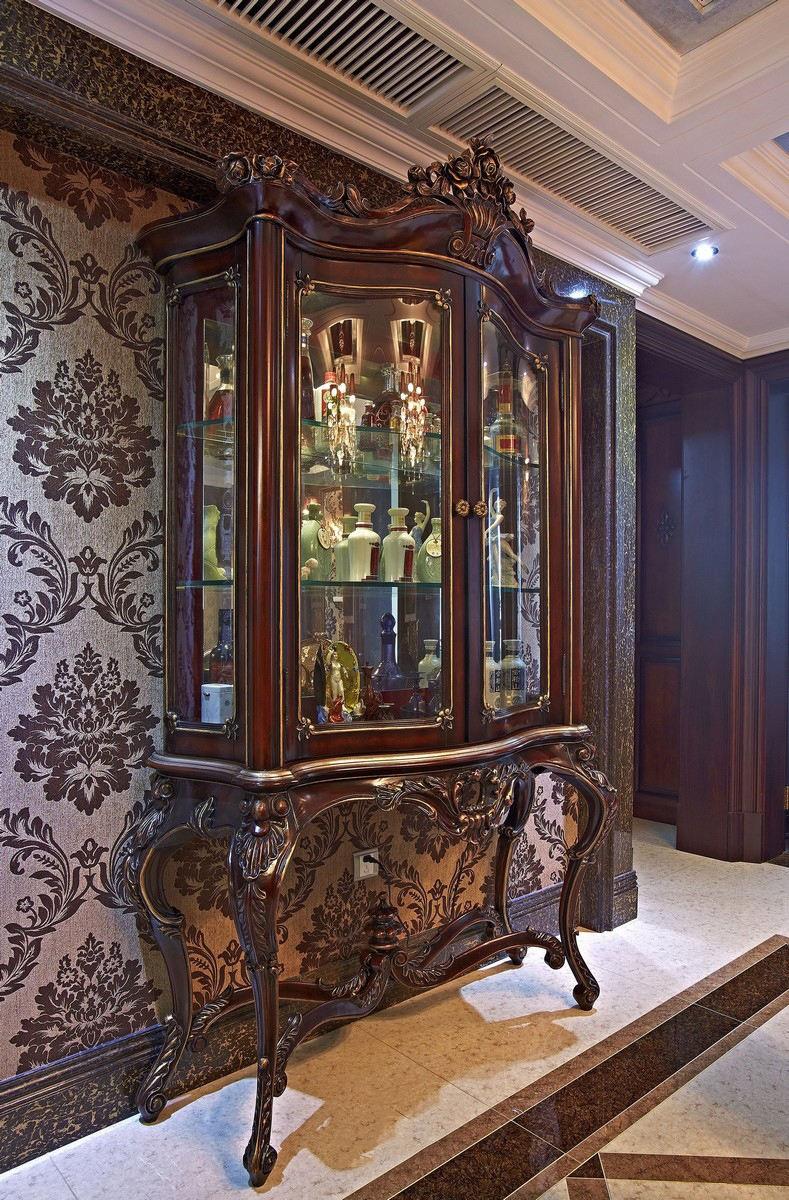 奢华精美古典欧式展示柜设计