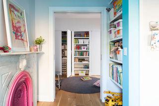 简约创意设计 嵌入式墙面储物柜设计