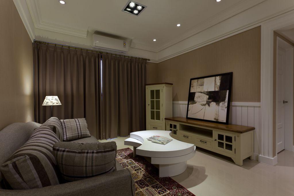 简约时尚小户型客厅窗帘装饰效果图