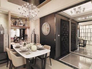 时尚现代新古典玄关玻璃背景墙装饰图