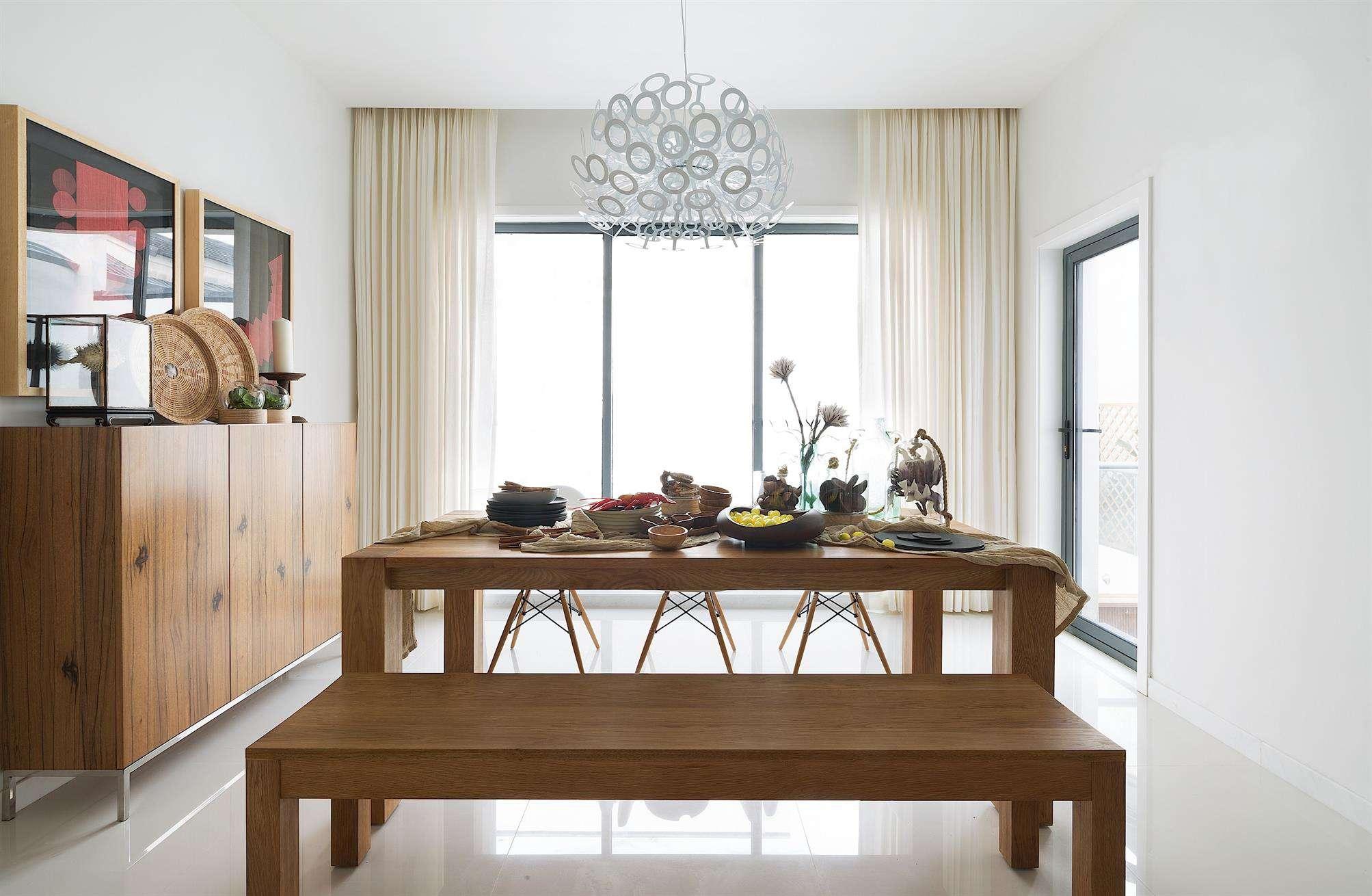 简约宜家设计餐厅实木餐桌凳装饰效果图