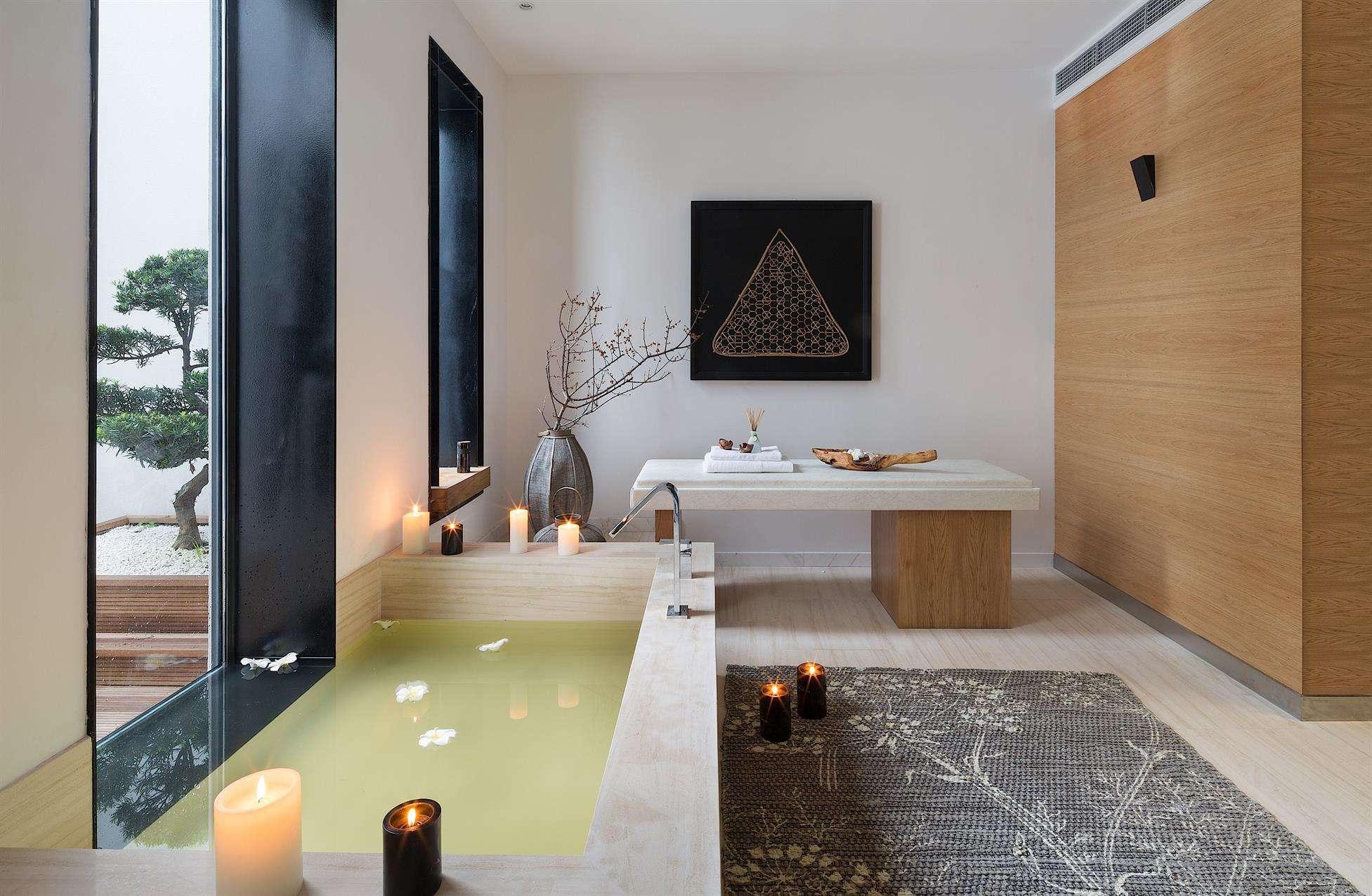 简约实木宜家别墅浴室设计装修效果图