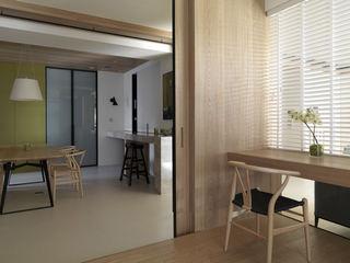 清新北欧家装室内原木隔断装饰图
