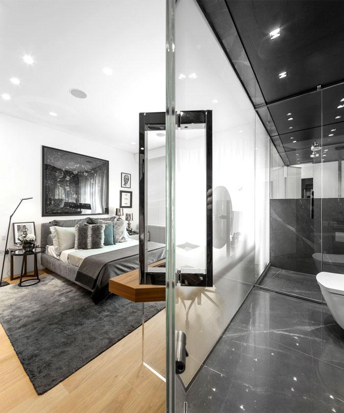 美式设计 主卧卫生间玻璃隔断图