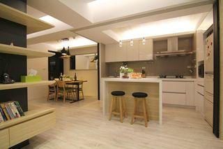 温馨宜家开放式厨房吧台效果图