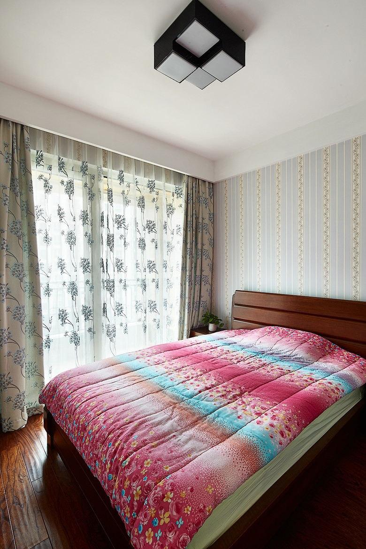 简约设计装修卧室窗帘搭配