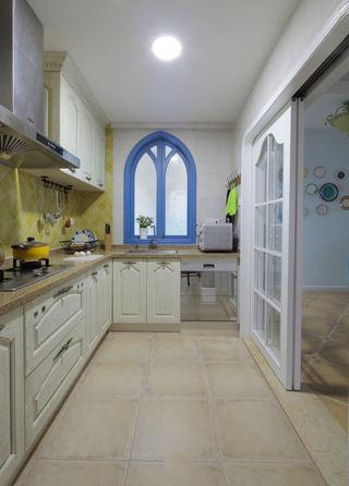地中海风格家居厨房马蹄窗户设计装修图