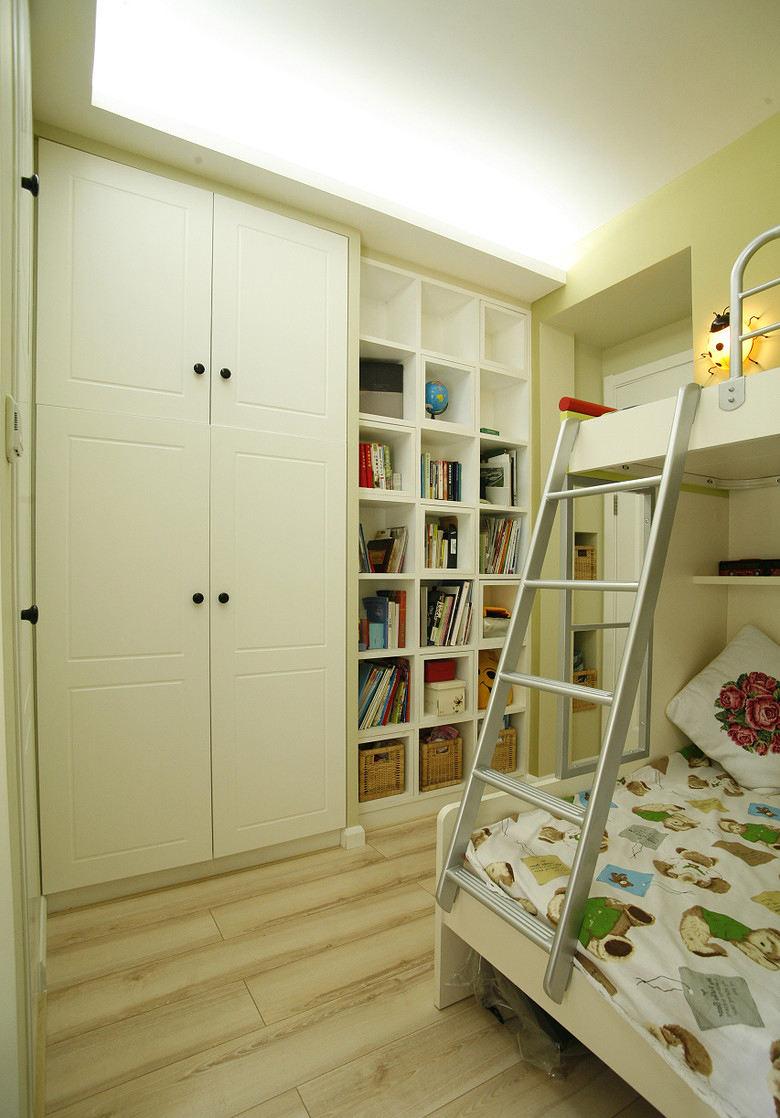 清新美式儿童房衣柜设计