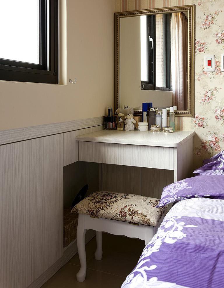 唯美简约卧室梳妆台设计