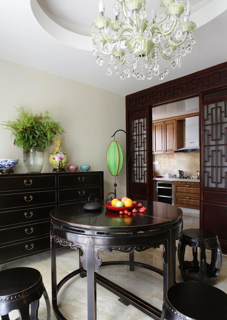 儒雅中式现代风混搭厨房餐厅推拉门隔断