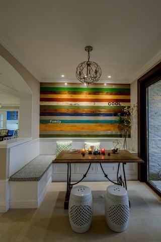 140平美式风格三居装潢案例
