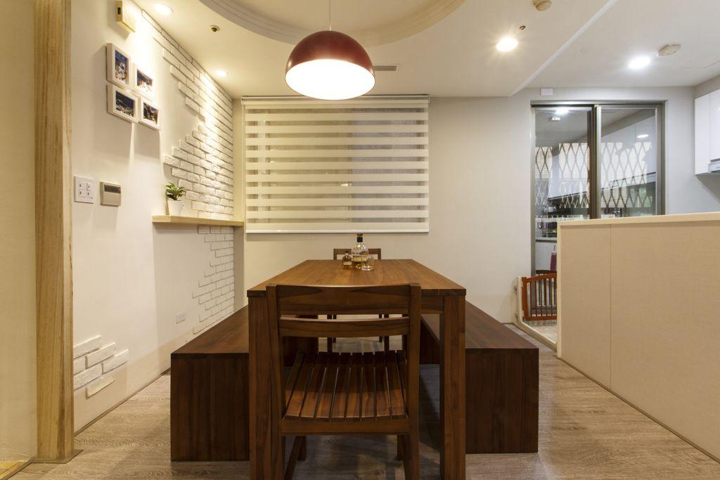 温馨简约宜家实木餐厅效果图