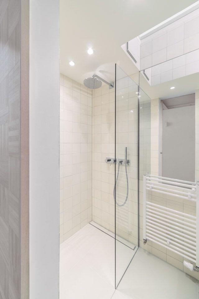 白色简约家居淋浴房装修图