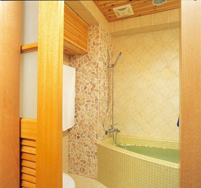 日式现代设计浴室装修图
