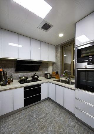 时尚现代风厨房 白色橱柜设计图
