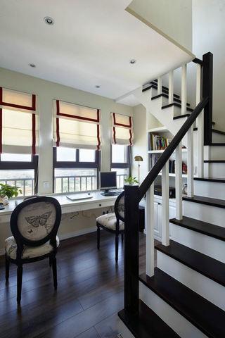 美式风格复式楼梯设计