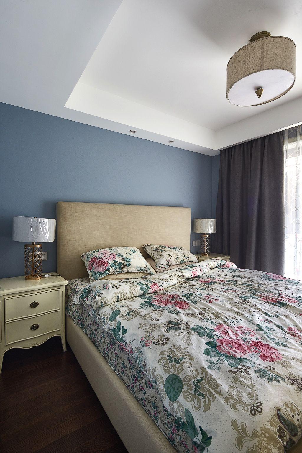 简约美式卧室吊顶效果图欣赏