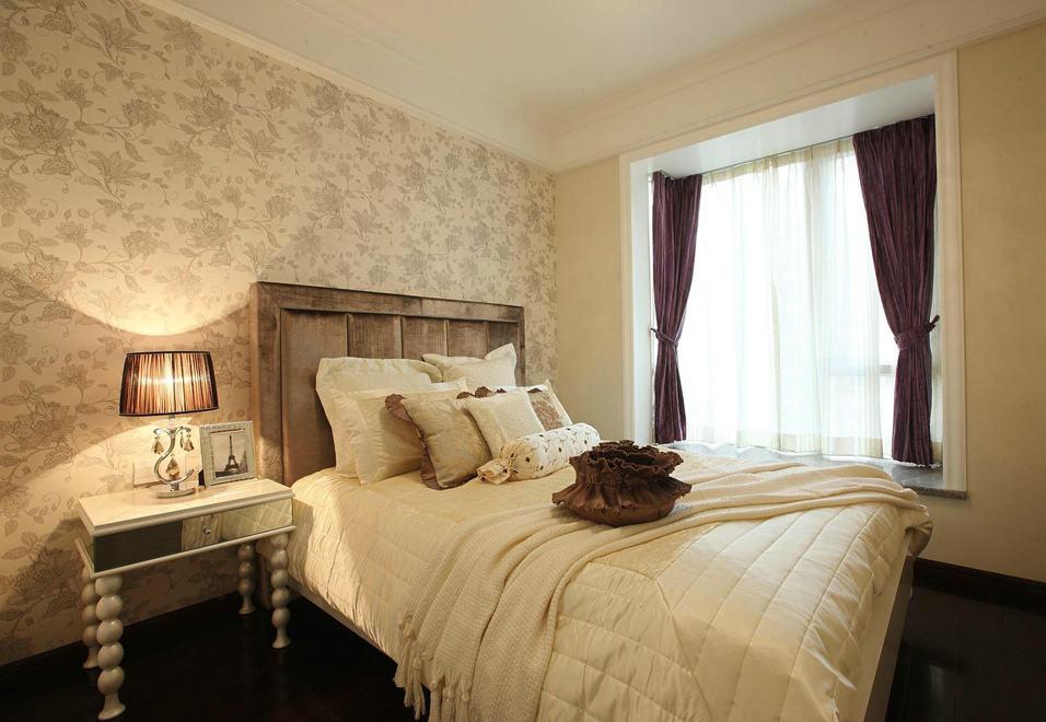 素雅复古欧式卧室带飘窗设计