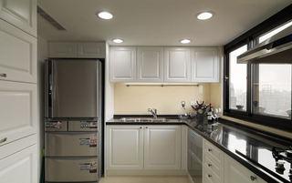 时尚黑白简欧厨房橱柜设计效果图