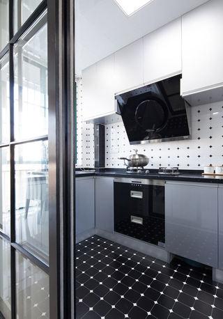 黑色时尚现代厨房装饰图
