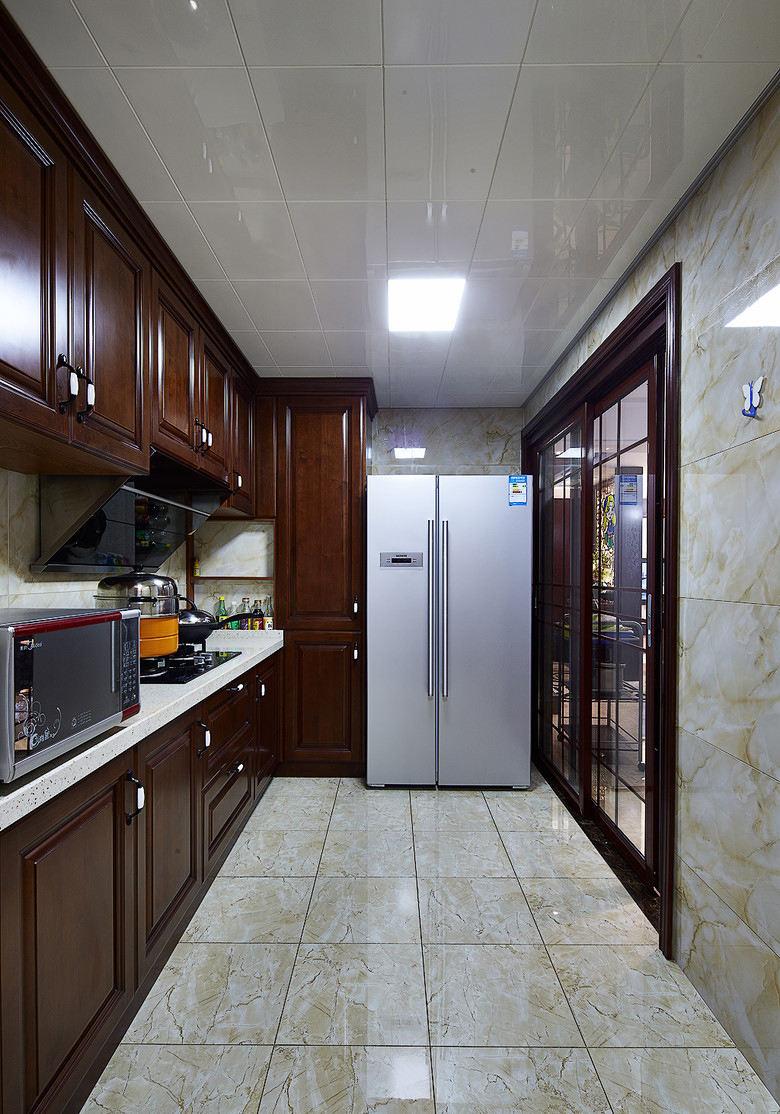 高端美式家居廚房實木櫥柜設計