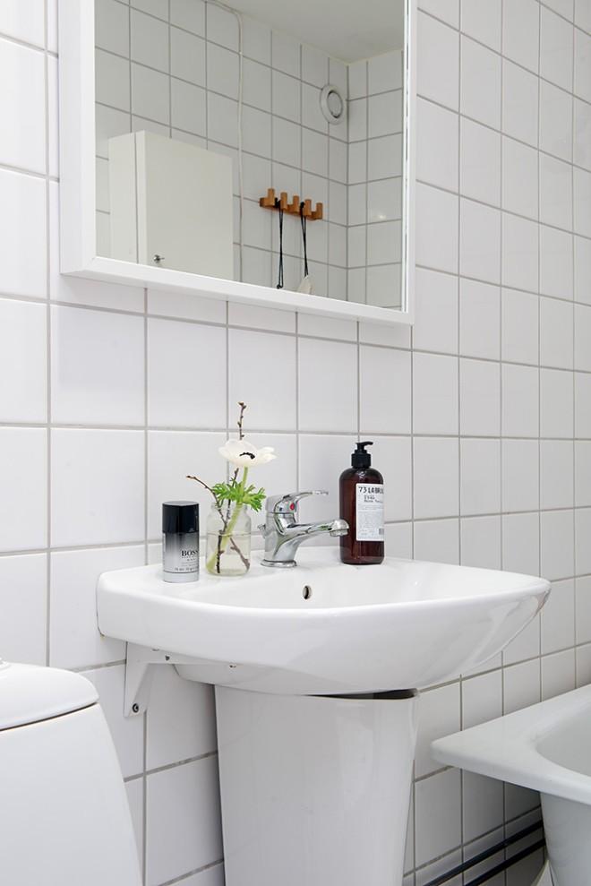 纯白简约北欧风马赛克卫生间洗手台设计