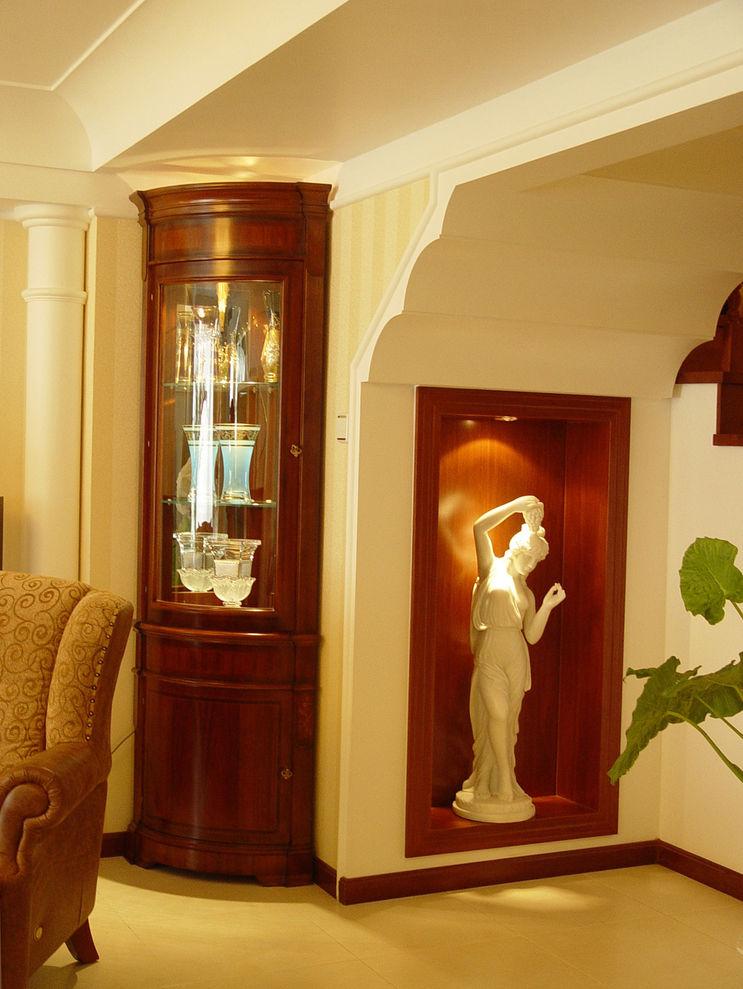 精美浪漫简欧复式楼过道艺术雕塑装饰效果图