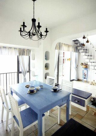 清爽地中海风格餐厅蓝白餐桌椅装饰效果图