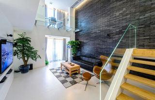 简约复式客厅黑砖背景墙效果图
