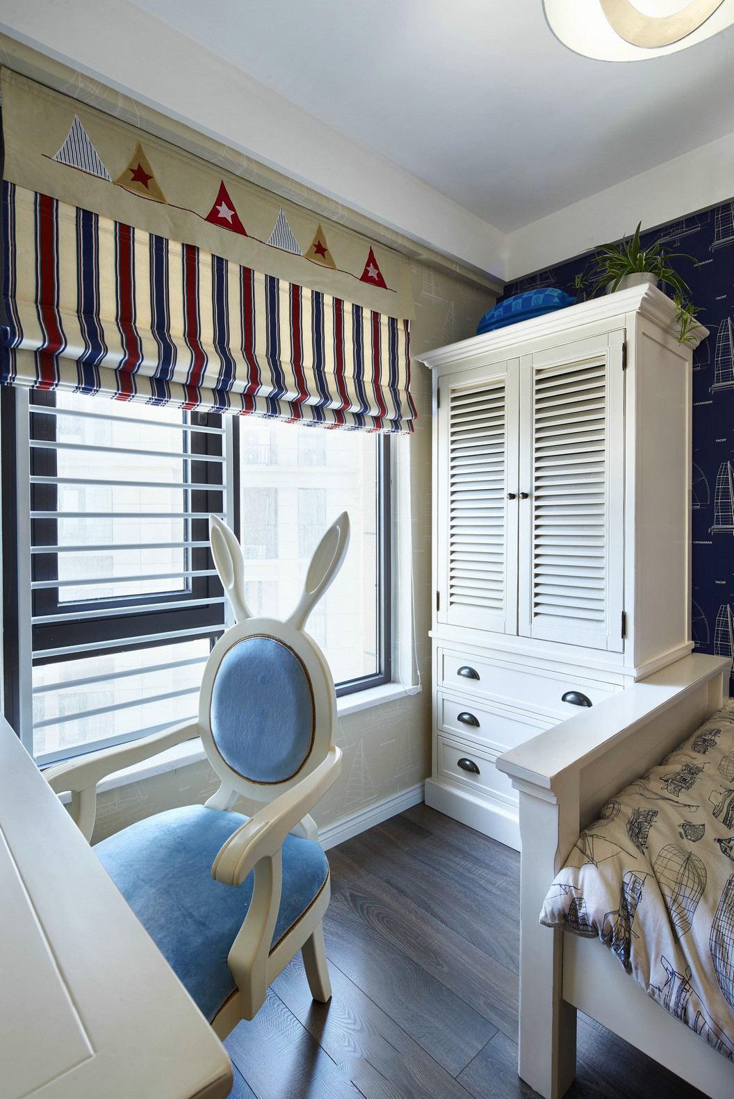 美式风格儿童房衣柜装饰图