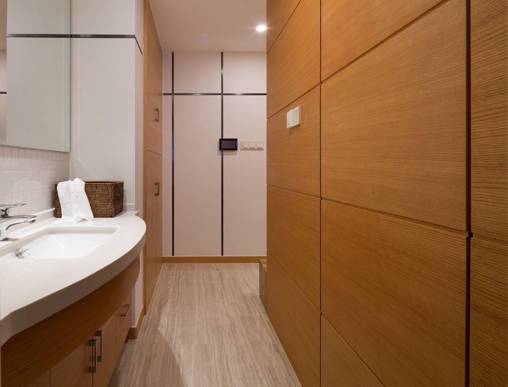简约宜家卫生间实木浴室柜图片
