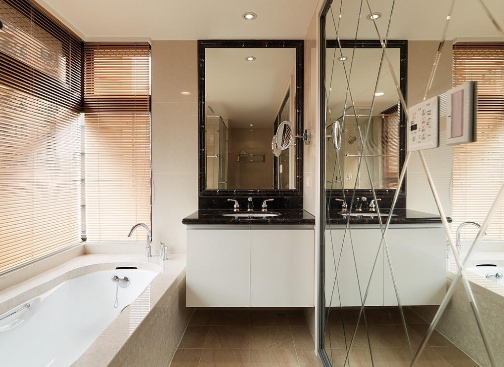 浪漫精美简约浴室精美背景墙设计效果图
